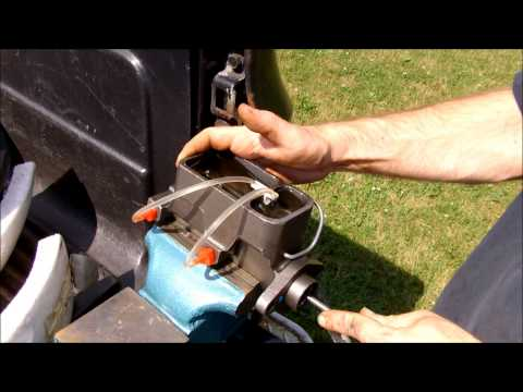 how-to---bench-bleed-a-brake-master-cylinder