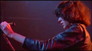 The Ramones - It's Alive (1977) - You're gonna kill that girl