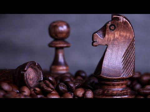 От коронавируса врачи советуют нюхать кофе и играть в шахматы/  Обсуждаем статью
