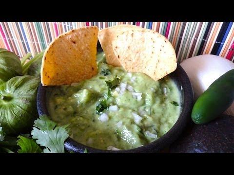 Salsa de Tomatillo (crudo) y Aguacate