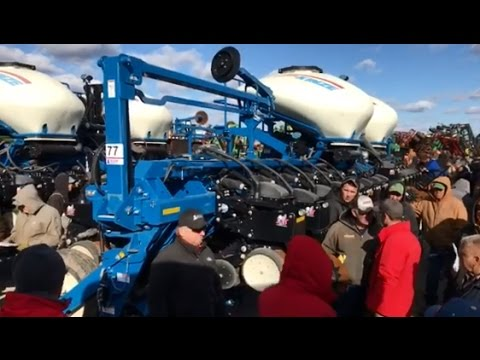 2015 Kinze 3660 16/31 Planter with 1200 Acres Sold on Illinois Auction