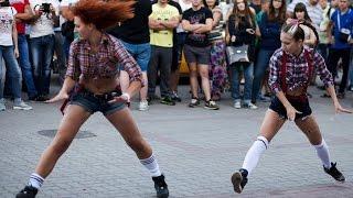 Танец Тверк. Школа танцев Dance Life. Автофестиваль White Motion 2015. Twerk видео