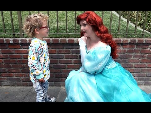 Tydus Asks Disneyland Princess OUT ON A DATE!!