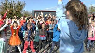 Kinderen voor Kinderen - Hupsakee LIVE (dansvideo De Lettertuin)
