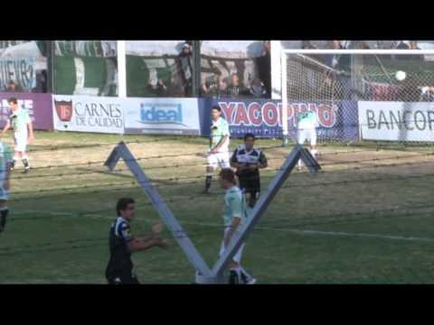 Cipolletti 2 - Villa Mitre 2, el albinegro sentenció en La Visera el descenso de los bahienses al Argentino B
