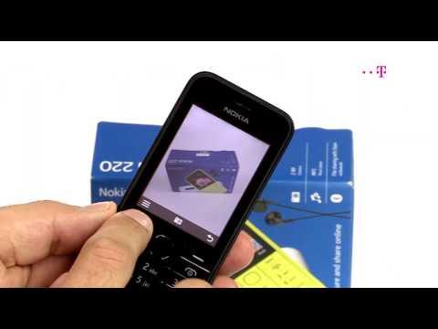 Nokia 220 -- praktyczna i społecznościowa