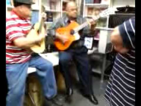 Victor Pagan en Duo De Guitarra
