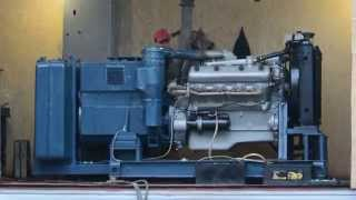 Запуск дизель-генератора 100 кВт.(Двигатель ЯМЗ 238, генератор ГСФ 100М, расход при нагрузке 100 % - 26 л/ч. Топливный бак 300 л. Проверка под нагрузкой., 2015-12-01T16:21:53.000Z)