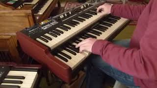 Lennart plays the Hammond SKX organ