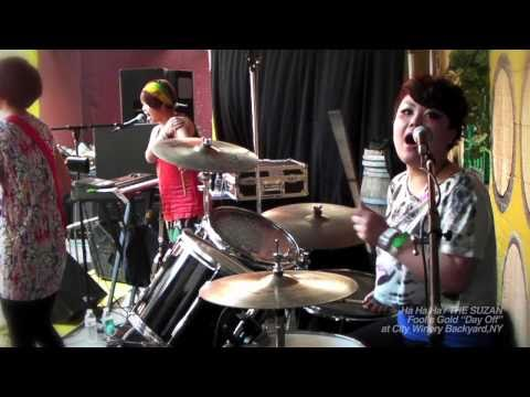 "THE SUZAN ""Ha Ha Ha"" live for Fool's Gold 'DAY OFF' at City Winery Backyard in New York, 2010"