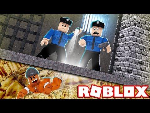 SECRET ESCAPE IN ROBLOX PRISON