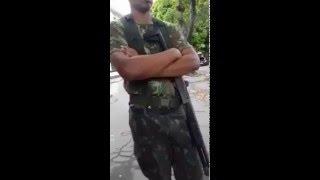 Baixar Soldado do exercito Brasileiro É Humilhado por Oficial