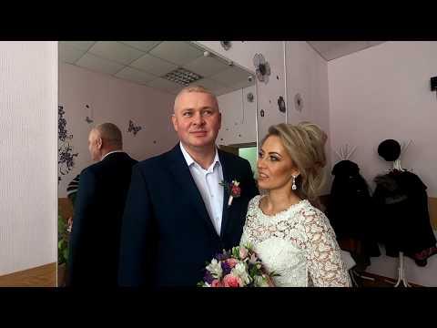 В ачинском ЗАГС сегодня наблюдается свадебный бум