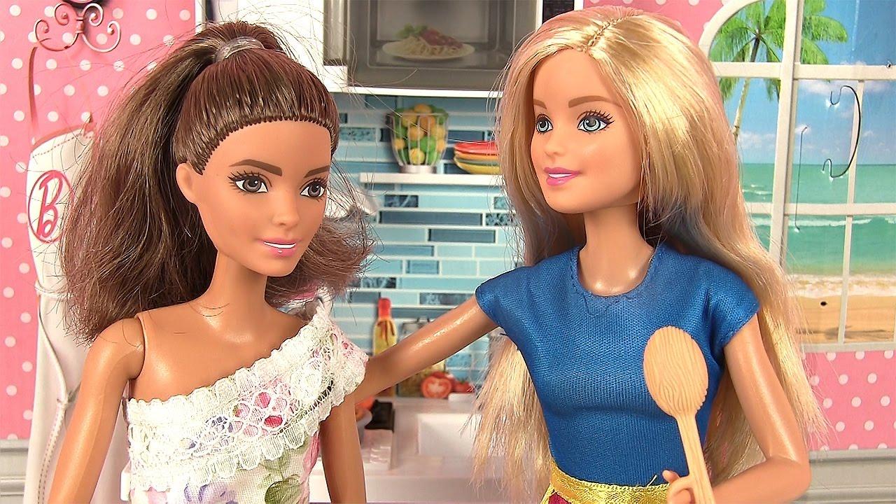 Mickela a besoin de conseils barbie maison de poup e cuisine histoire de po - Barbie et sa maison de reve en francais ...
