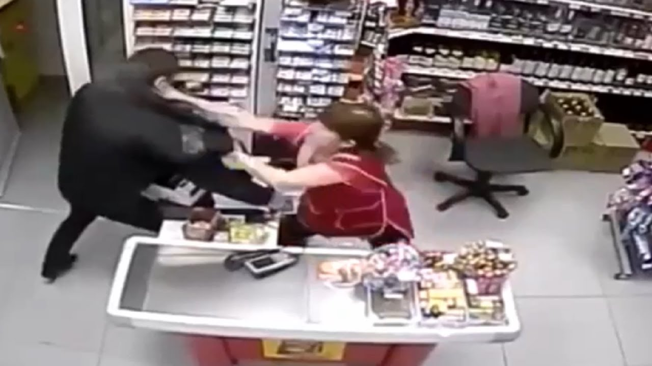 Liveleak Image: The Female Is More Deadlier Than The Male