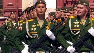 За парадом на Красной площади наблюдал Владимир Путин и его зарубежные коллеги.