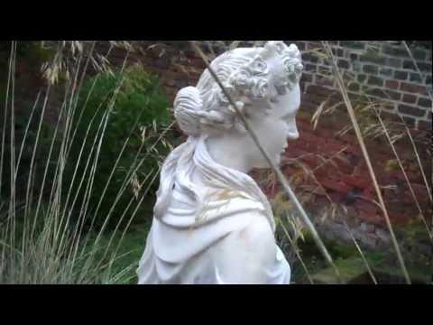 Four Seasons statue-Autumn