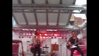 Buffy Sainte-Marie - Cho Cho Fire - live@ Dundas Square 2012 (Toronto)