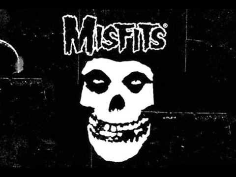 Misfits - Dust to Dust (Lyrics)