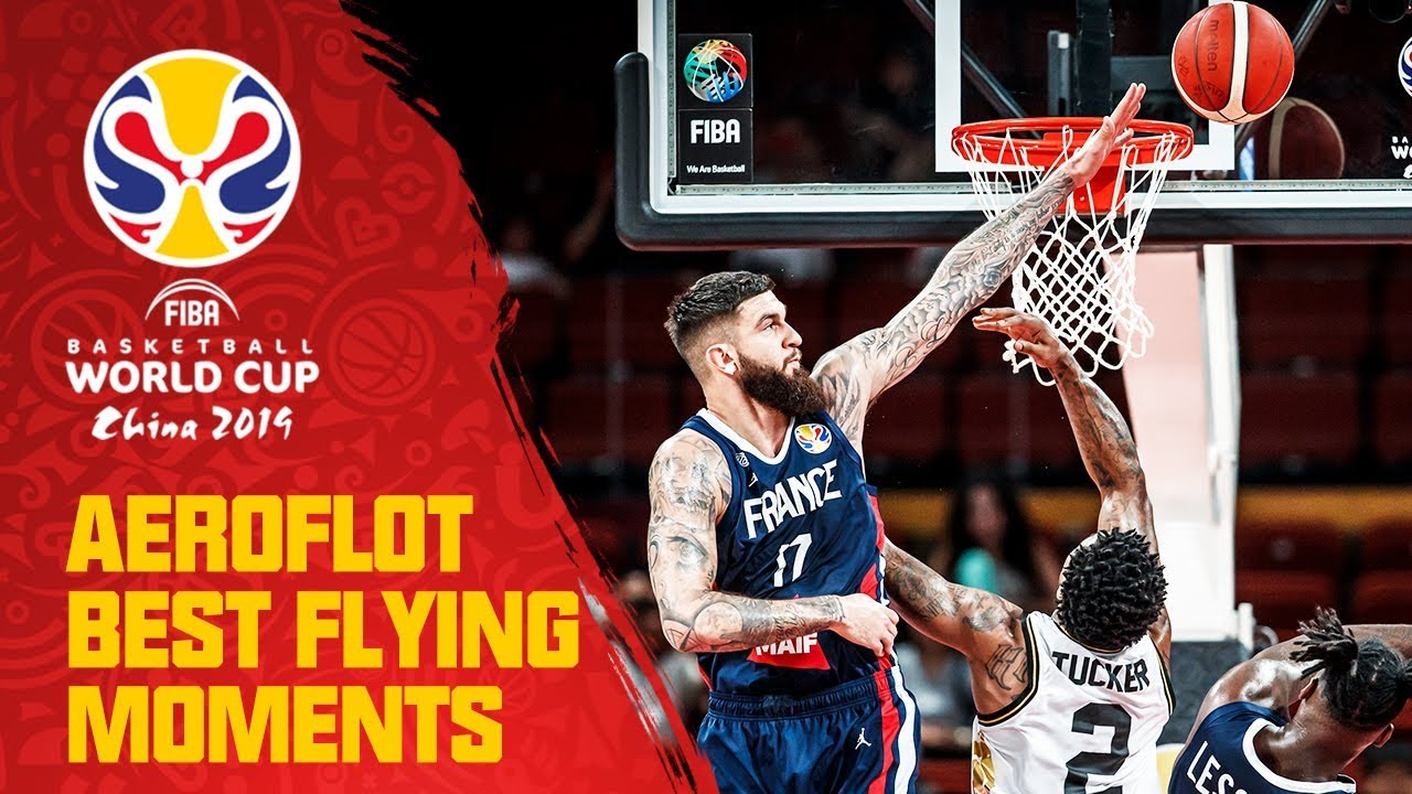 Insane two-handed alley-oop DUNK by Vincent Poirier | Aeroflot Best Flying Moments