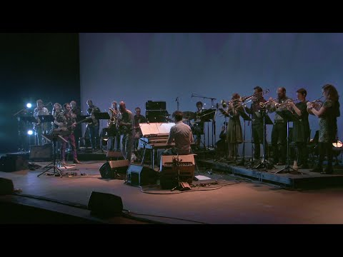 """DANCING IN YOUR HEAD(S) """"DOGON A.D."""" Extrait live"""