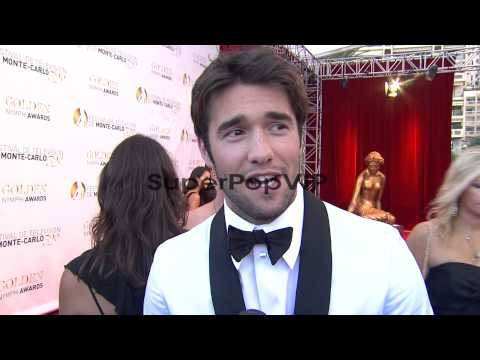 : Joshua Bowman jokes about how he gets ready, a...