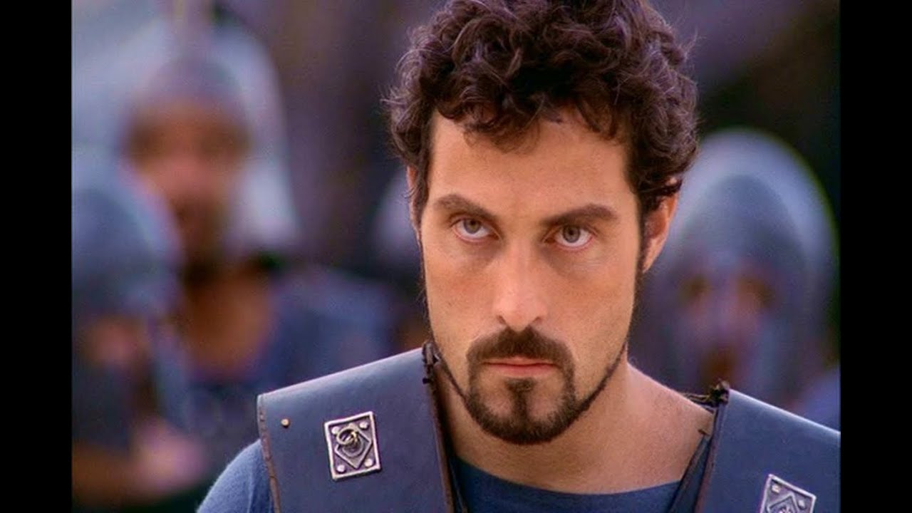 RUFUS SEWELL-THE MOST SEXY SCREENCAPS OF AGAMEMNON IN HELEN OF TROY
