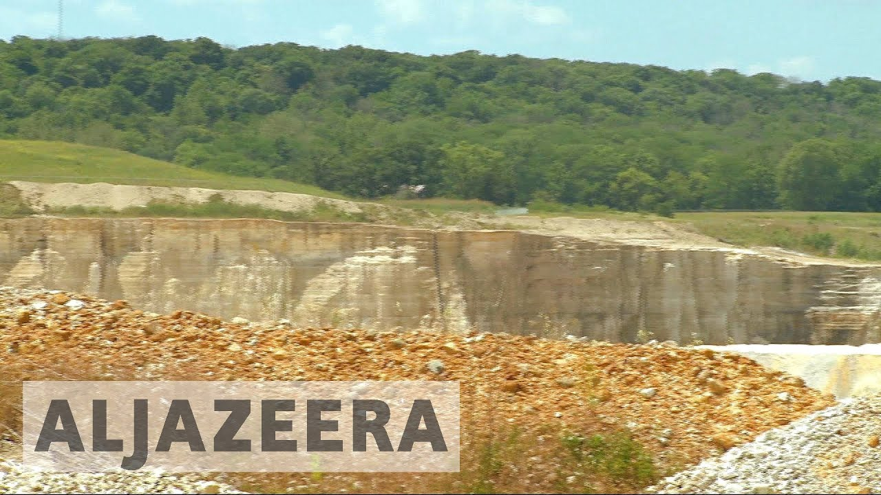 US farmers say sand mining destroying environment