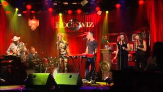 Connie Mitchell & Julian Hamilton - Knew you were waiting - RocKwiz duet