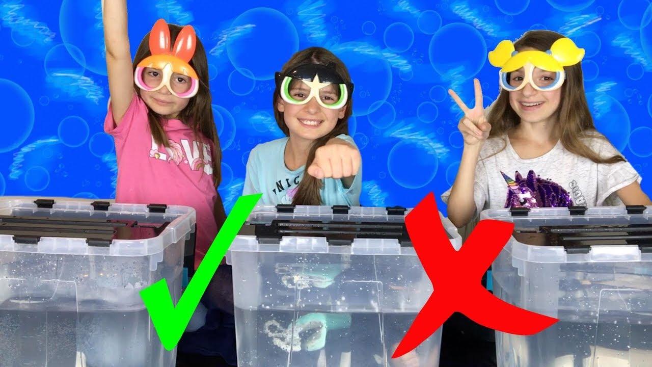 WHAT'S IN THE BOX CHALLENGE UNDERWATER // Quoi dans ma boîte dans l'eau !? // Lévanah & Family