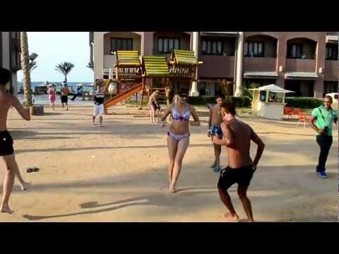 В Греции танцуют по Армянски.mp4