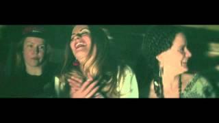 RAUHATÄTI - Tytöt ei osaa räppää, piste! Feat. MC Pyhä Lehmä & Mercedes Bentso (Prod. Tes La Rok)