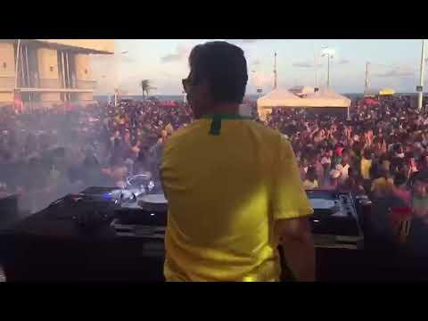 DJ RICO CHAMUSCA - FAROL DA BARRA - FESTA DA BRAHMA NA COPA 2018