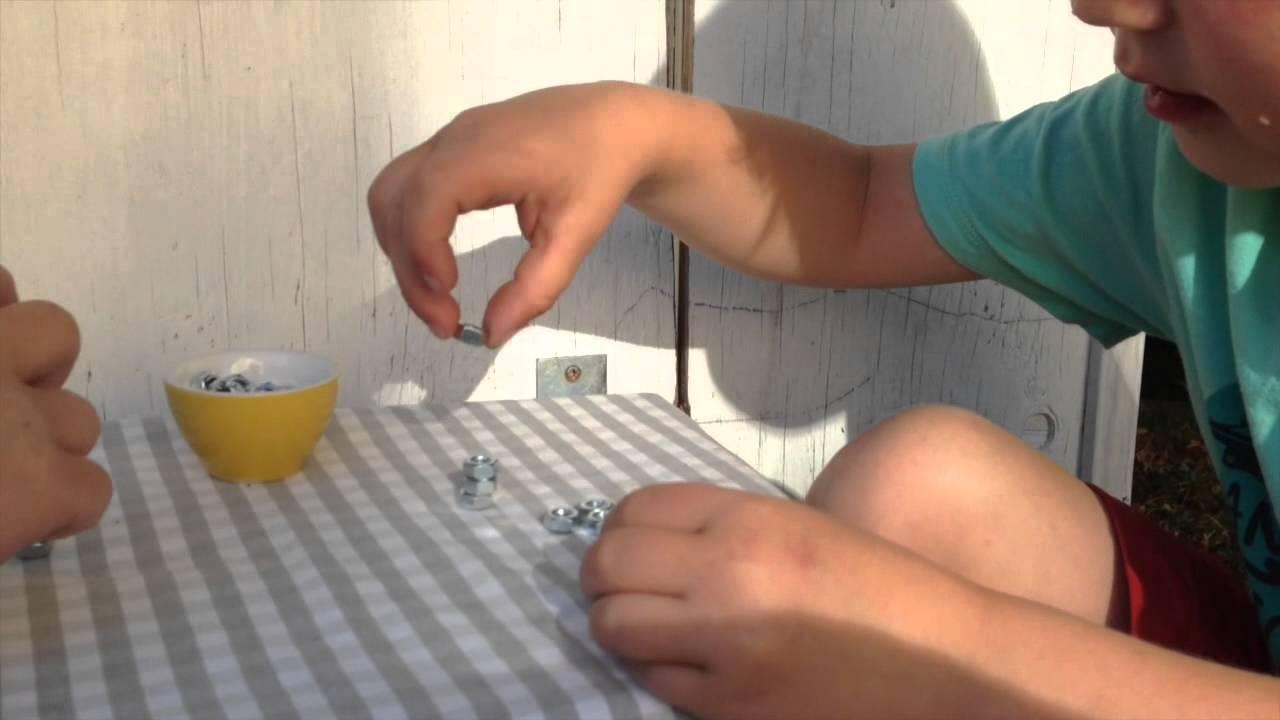 Metallstapel på magnet - bNosy Enkla Experiment för Barn 6