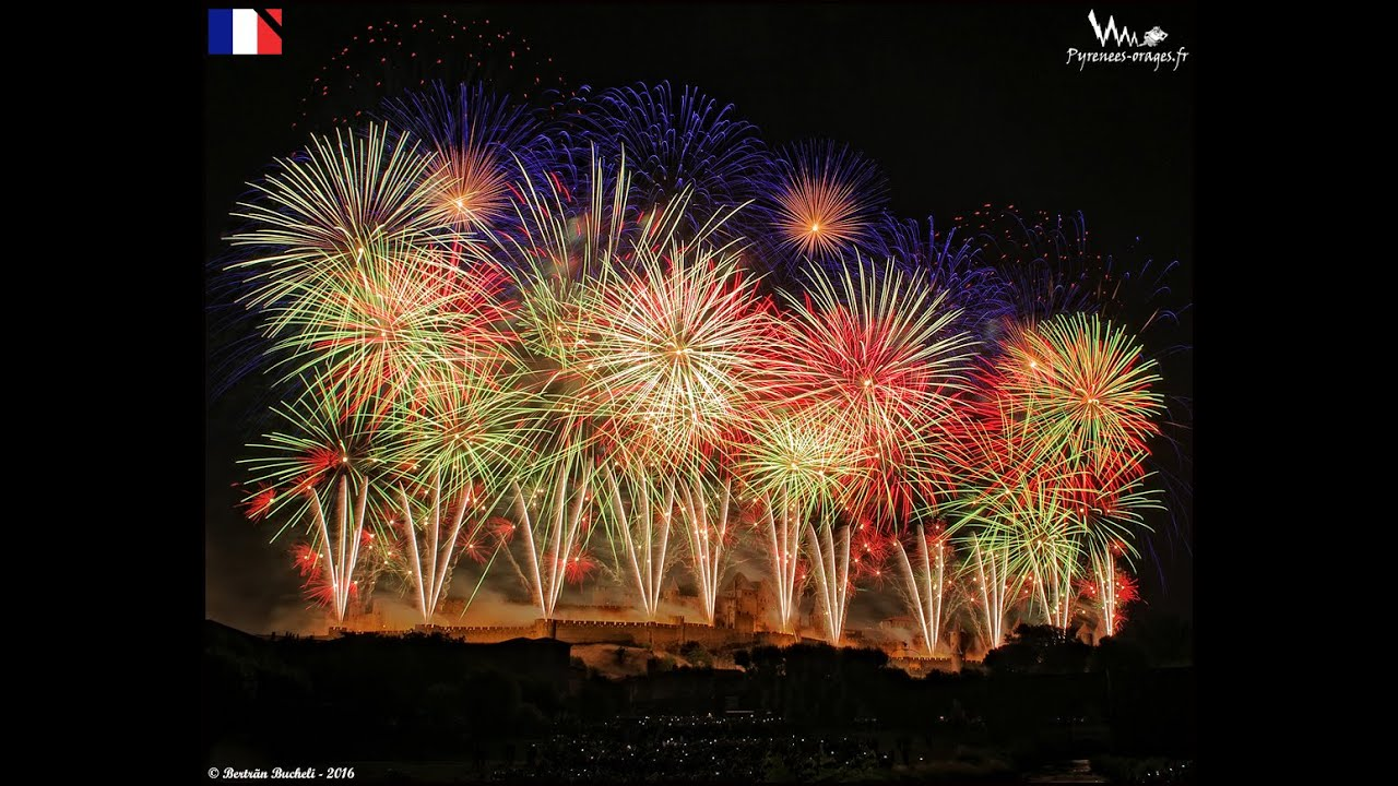 Feu D Artifice à Carcassonne 14 Juillet 2016 Youtube