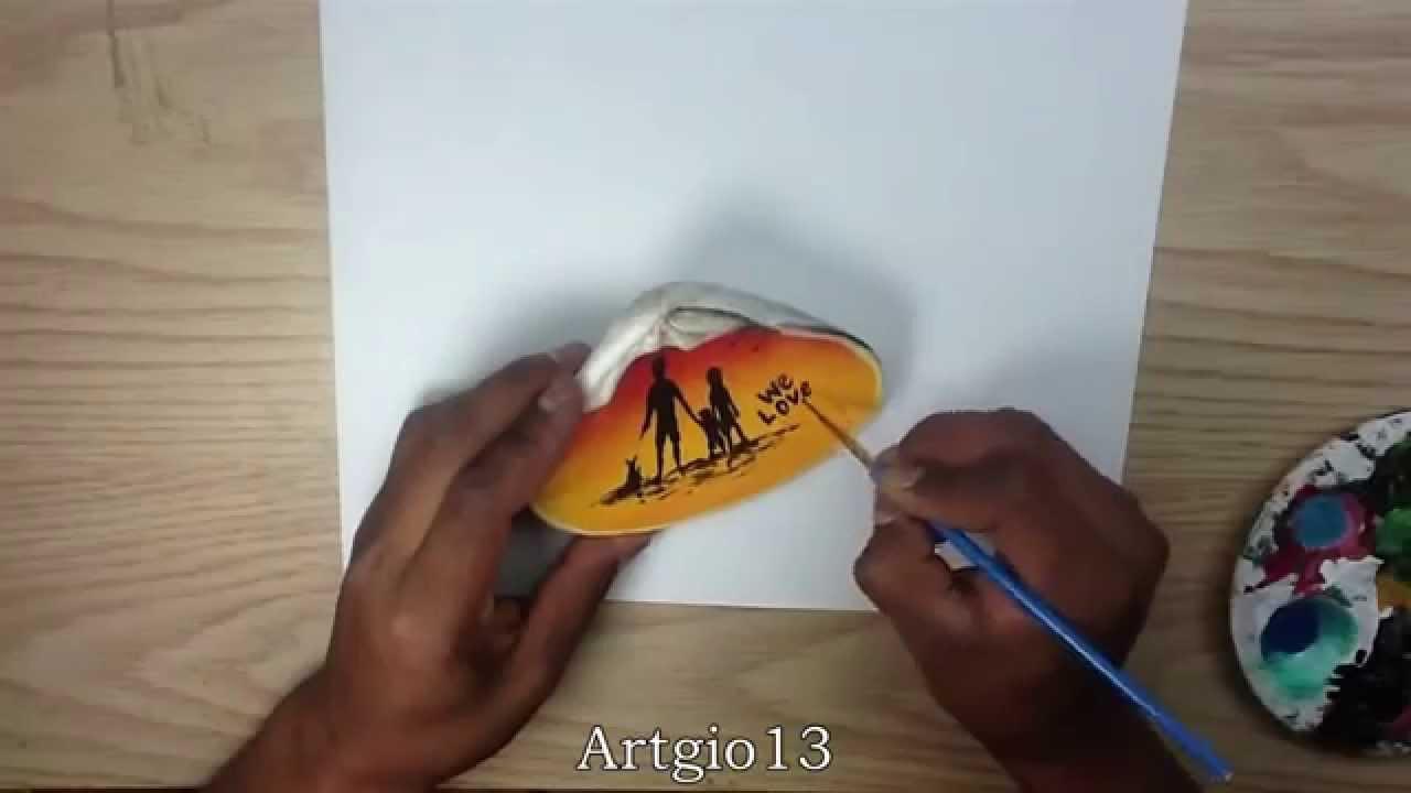Pintando en una concha de Mar/ Painting in a shell from the ocean ...