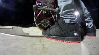 SKATING THE BLACK PIGEON x NIKE SB DUNKS  5dfc954a4