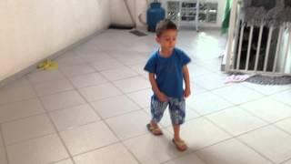 Reggae boy - dançando SOJA