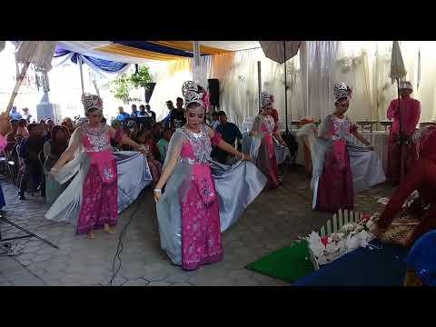 Persembahan Tari Badaya Upacara Adat Sunda - Ls. MUSTIKA PASUNDAN 3