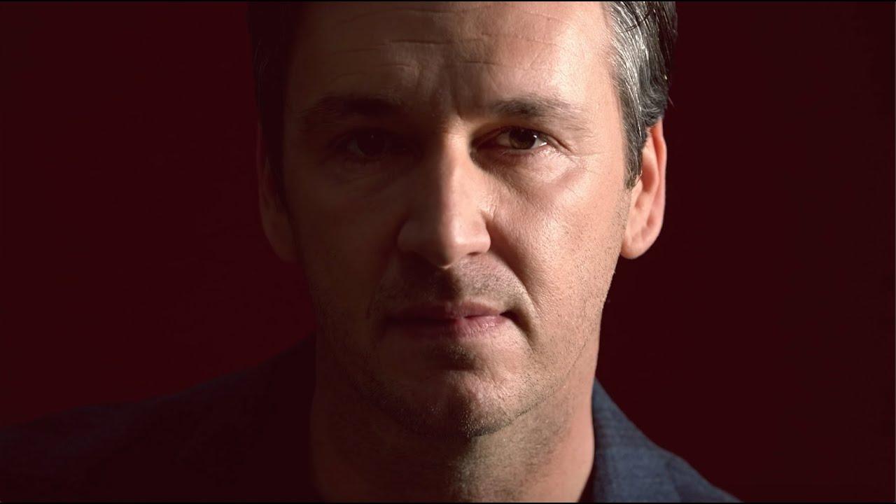 VIDEOCLIP: Davy Gilles - Door al m'n tranen heen