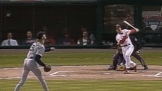 David Bell hits inside-the-park HR in return to Cleveland