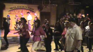 Knotts Berry Farm Line dancing new years eve