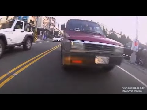 貨車全馬力逆向連超五車 | WoWtchout - 你在路我在錄