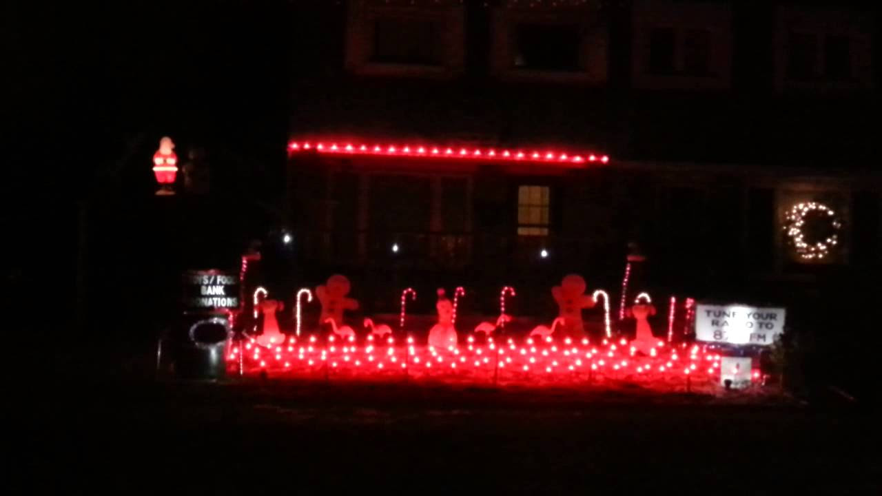 Beautiful Tech Fan Installs 10 000 Bulb Christmas Light Show At His Mississauga Home  Mississauga ComTech Fan Installs 10 000 Bulb Christmas Light Show At His