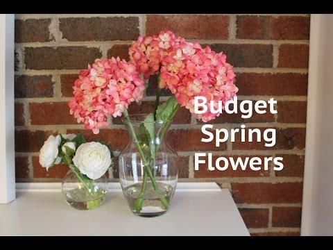CHEAP DECOR IDEA: Acrylic Water Flower Arrangement