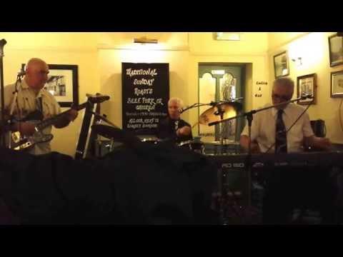 John Stapleton trio