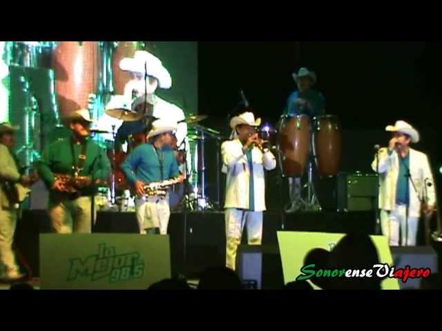 La Falda Cortita -La Concentración- La Mejor 98.5 FM- ExpoGan 2013