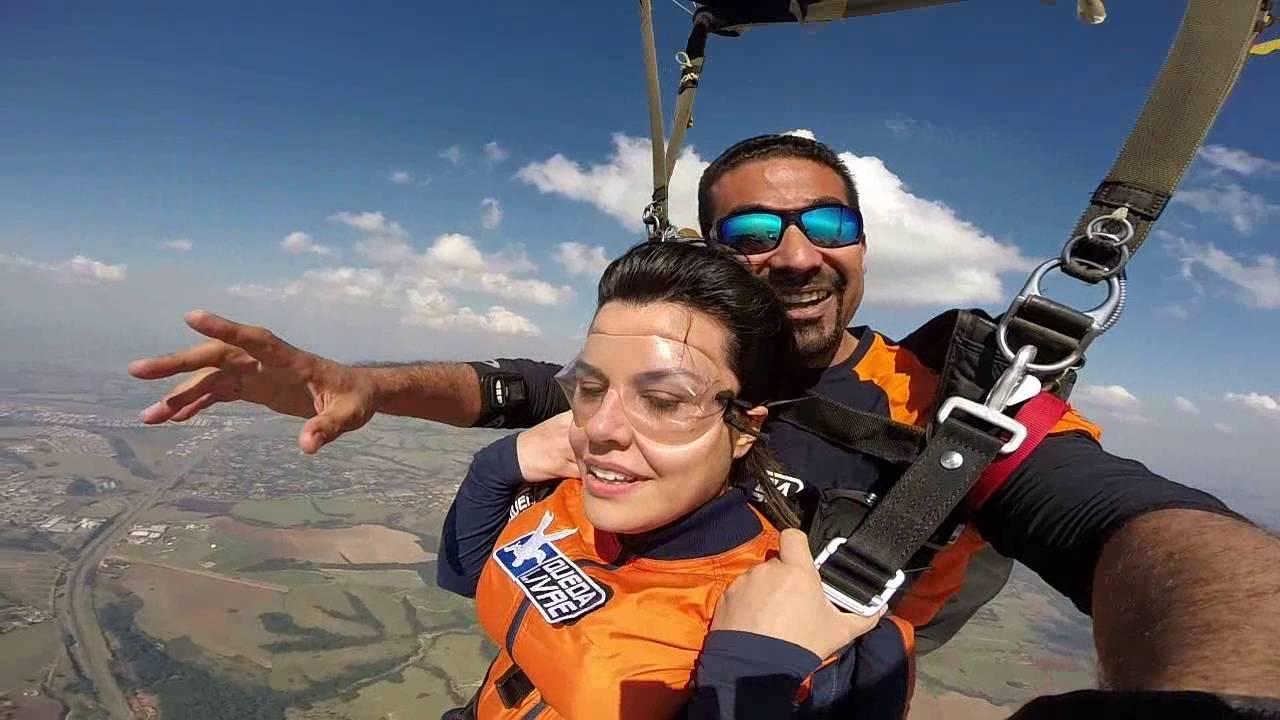 Salto de Paraqueda da Luana na Queda Livre Paraquedismo 27 07 2016