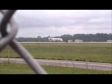 Planespotting at Dayton International Airport (KDAY) July 5, 2013