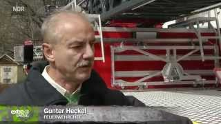 Realer Irrsinn: Feuerwehrauto mit unerlaubten Klebestreifen   extra 3   NDR